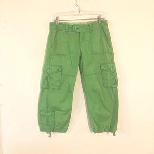 Aeropostale Women's Crop Pants Size 3/4 Green
